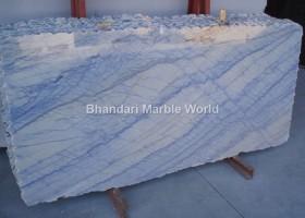 Azul_Macaubas-marble